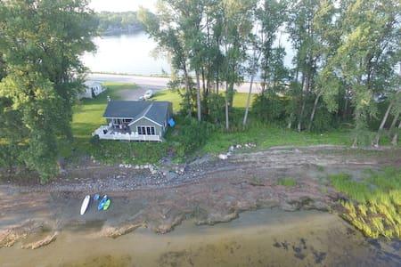 South Hero - Directly on Lake Champlain