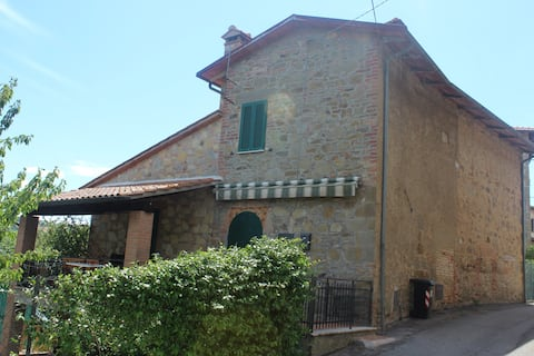 House between Umbria and Tuscany