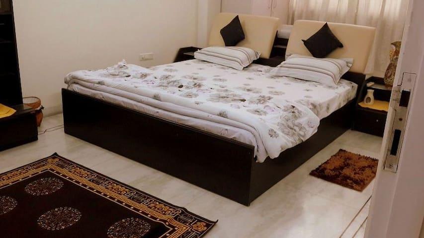 """2 Bedrooms (Luxury & Deluxe) at """"TrueTasteofIndia"""" - Noida - Appartement"""