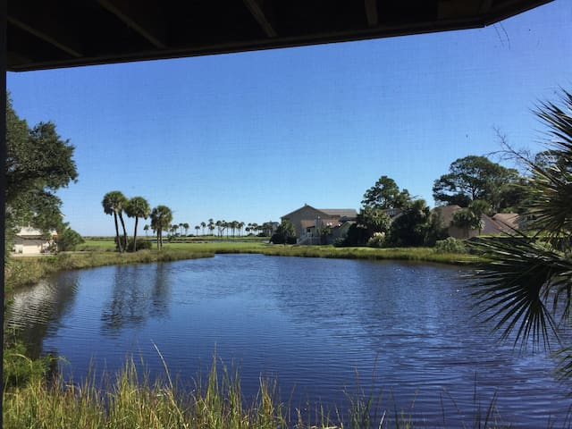 Fripp Island Ocean & Golf Views! - Saint Helena Island - Apartment
