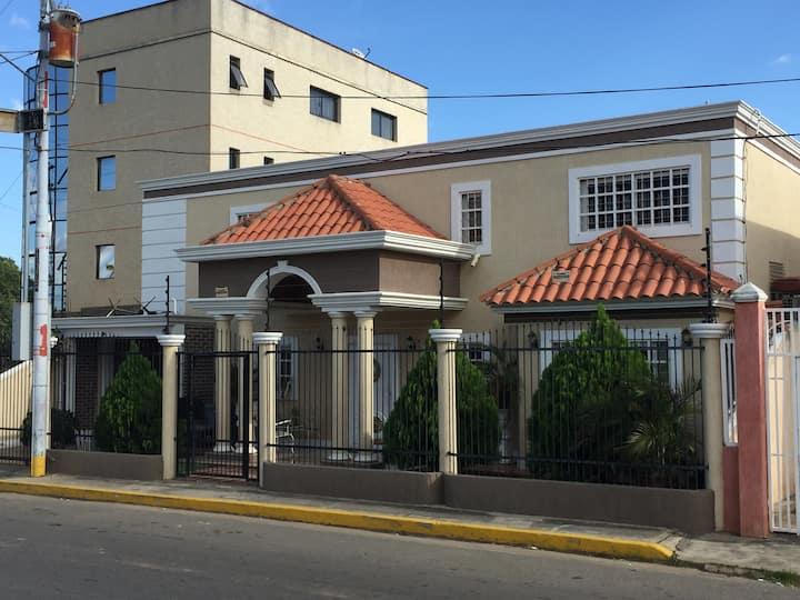Casa Familiar de 02 Plantas.