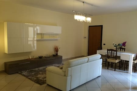 Salerno appartamento nuovo e confortevole - Mercato San Severino