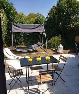 Casa con giardino alle porte di Roma - Roma - Ev