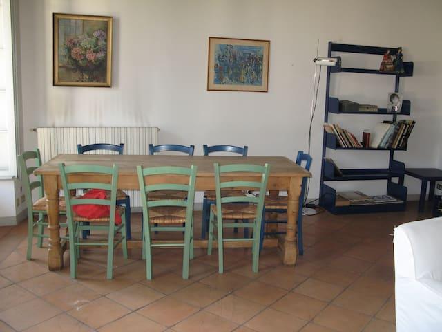 Appartamento in meravigliosa villa - Azzate - Appartement