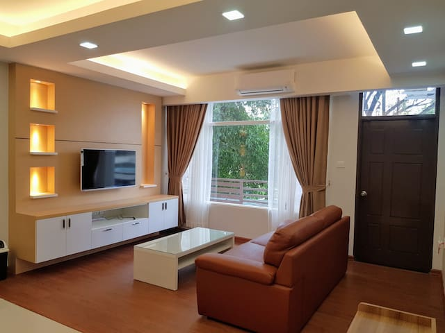 Spacious 2 Bedroom Apartment near Sayarsan Rd #201