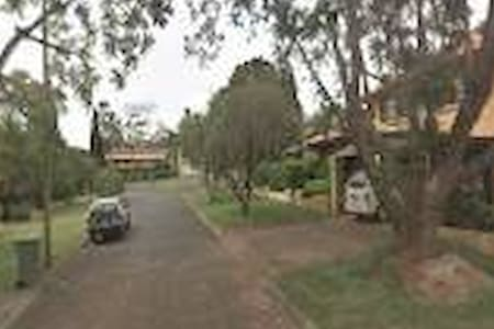 1 Bedroom unit near Picnic Point - Rangeville - Byt