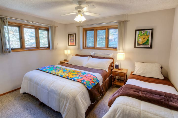 Bud & Breakfast: Kreutzmann Suite - Silverthorne - Bed & Breakfast