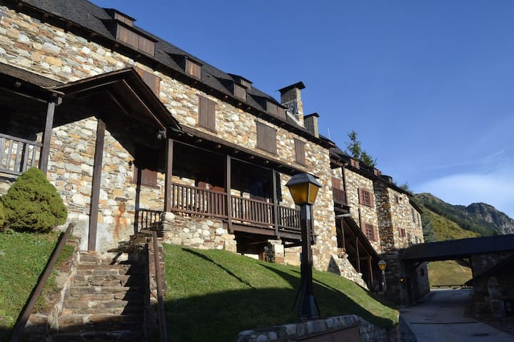 Casa aranesa Pleta Baqueira Aneto - Baqueira - House