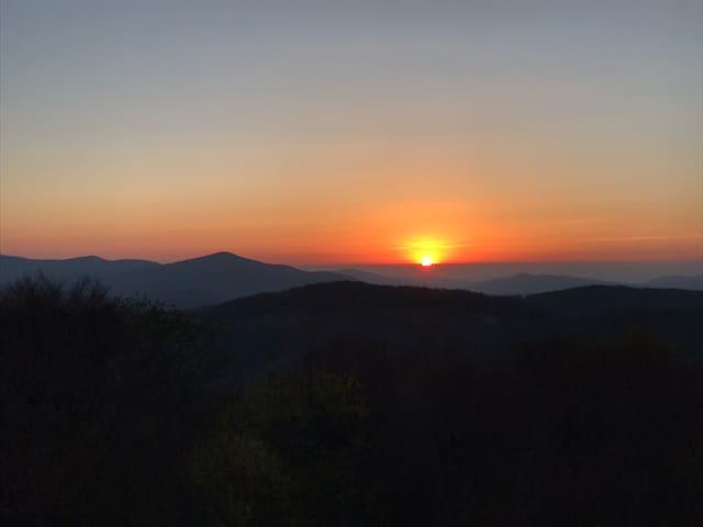 2 BR Condo w/private Hot Tub & Amazing Sunset View