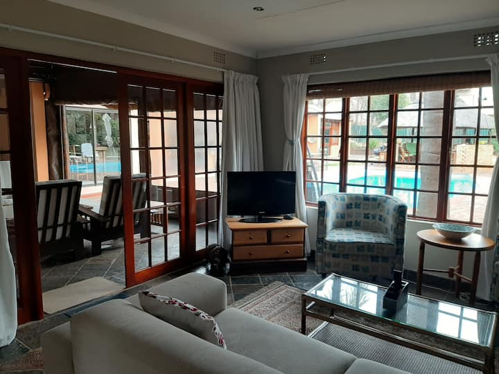 Guest Suite/Cottage in Northcliff/Fairland