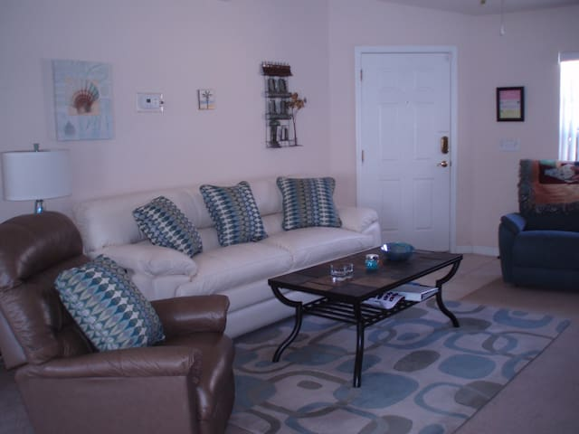 Luxury pool/spa home 10 minutes from Disney World - Davenport - House