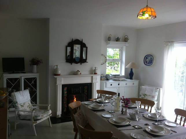 Carol's Cottage - Wild Atlantic Way - County Donegal - House