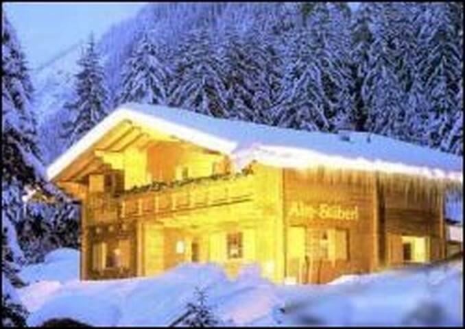 Almstüberl Zillergrund / Mayrhofen