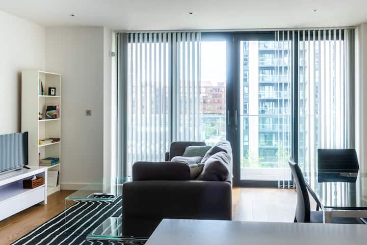 Enjoy the comfort and luxury at 2 bedroom /Wembley
