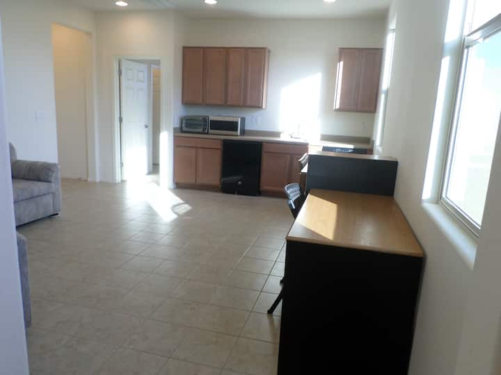 850 sqft new 1 b/1 b, Living/Kitch apt Wash/Dryer