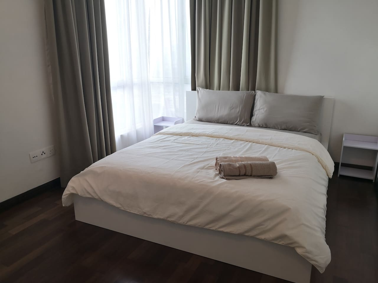 Master Bedroom with Queen Bed with En-suite Bathroom (Nice View); one floor mattress will be provided for extra guest.