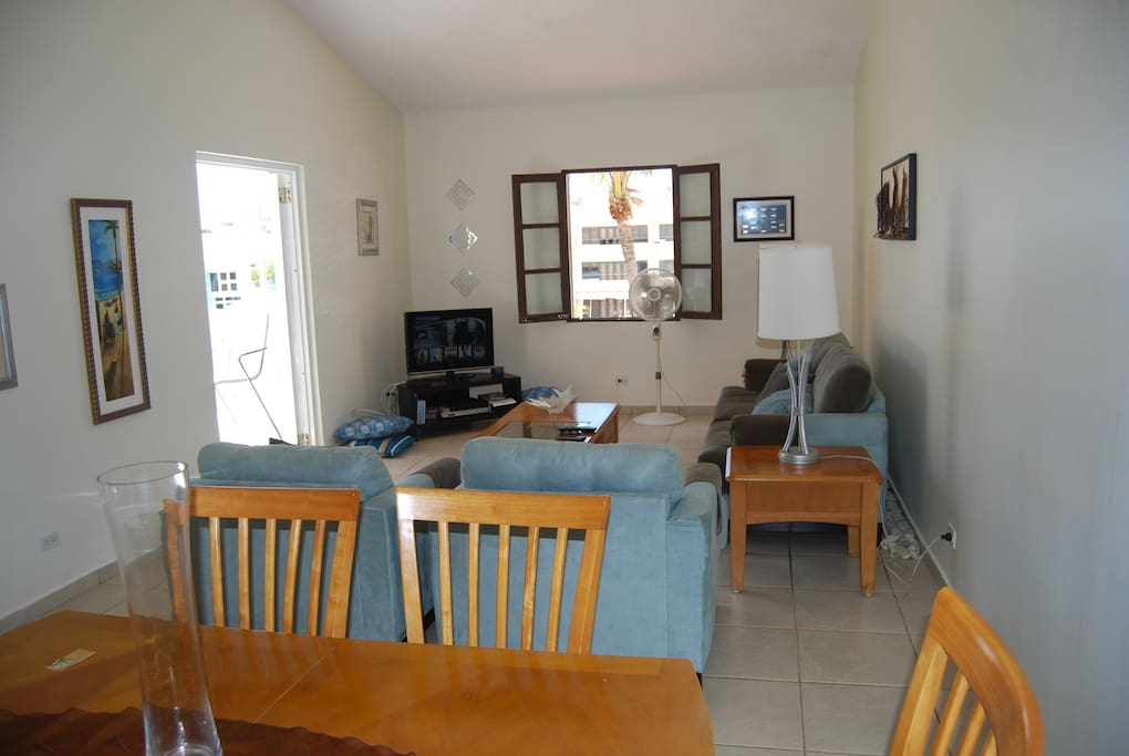 Living room with wifi internet and cable