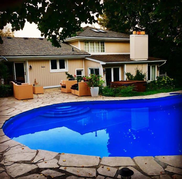 Pool, Patio & Hottub