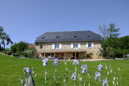 Rural and beautiful guest house - Lacapelle-Marival