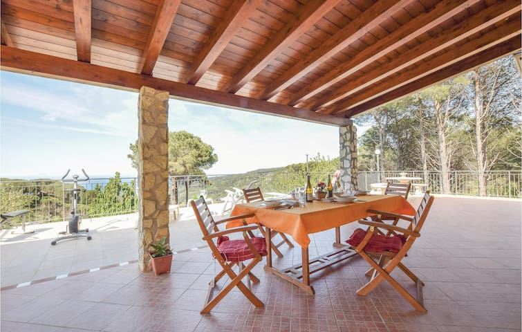 Holiday cottage with 2 bedrooms on 70m² in Cefalù -PA-