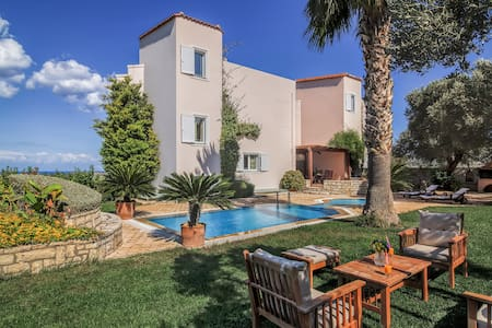 Villa Stella Scenic views-pool! - Perama