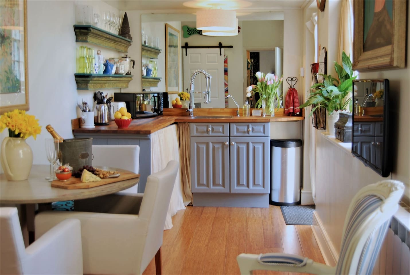 The newly updated kitchen includes a mini-fridge, filtered water, a hob/cooktop, pots and pans and cooking utensilas as well as a microwave and espresso machine.  Coffee and a selection of teas are supplied too!