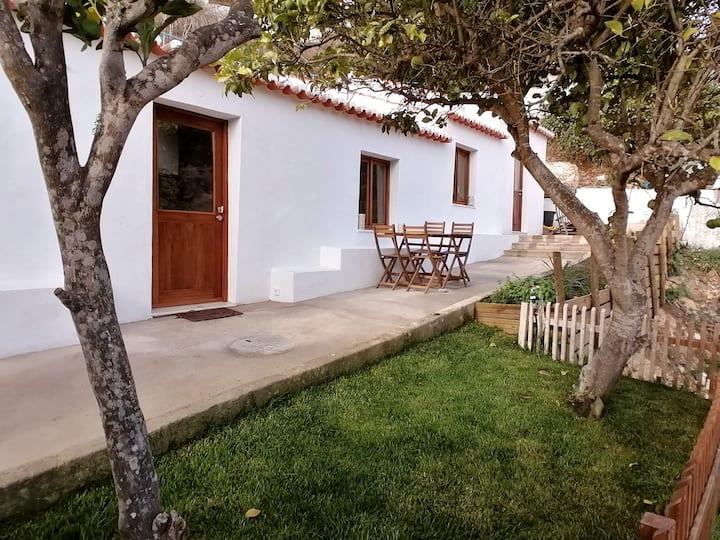 Cozy house in Aljezur's old town - Algarve