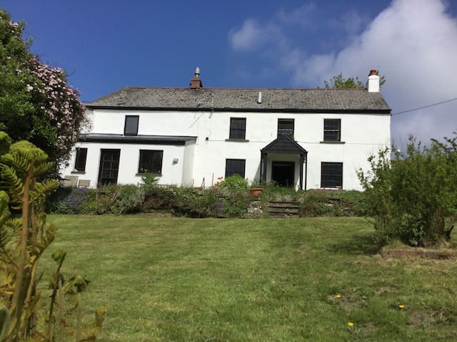 The Thornes characterful cottage on edge of Exmoor - Devon