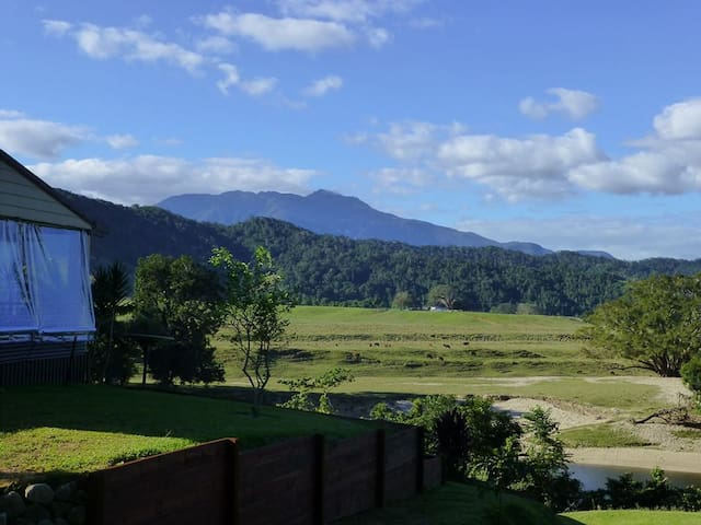 3 bedroom house in the Daintree - QLD - 獨棟