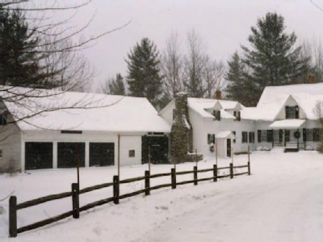 OKEMO KILLINGTON RESTORD FARM HOUSE - Plymouth - Hus