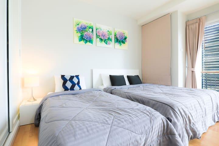 1st bedroom upstairs