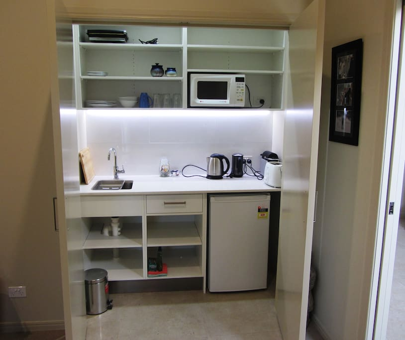 Kitchen-in-a-cupboard