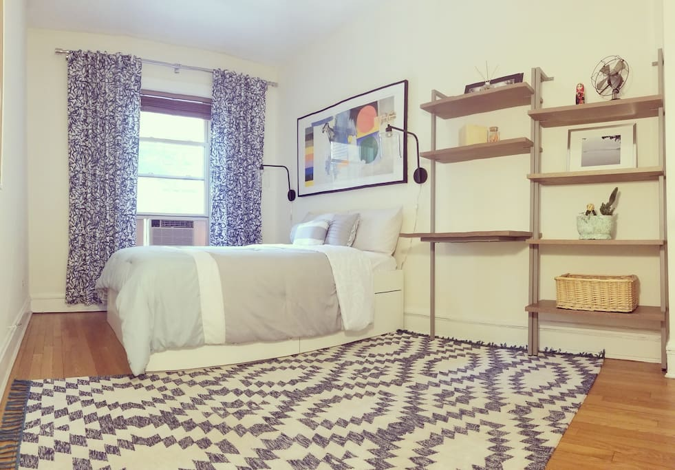 Sunny East Lincoln Park 2 Bedroom Condominiums For Rent In Chicago Illinois United States