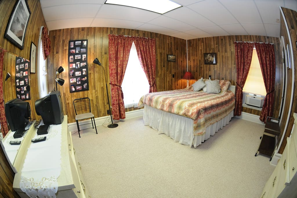 This is called the Retro Bedroom with a Queen-sized bed