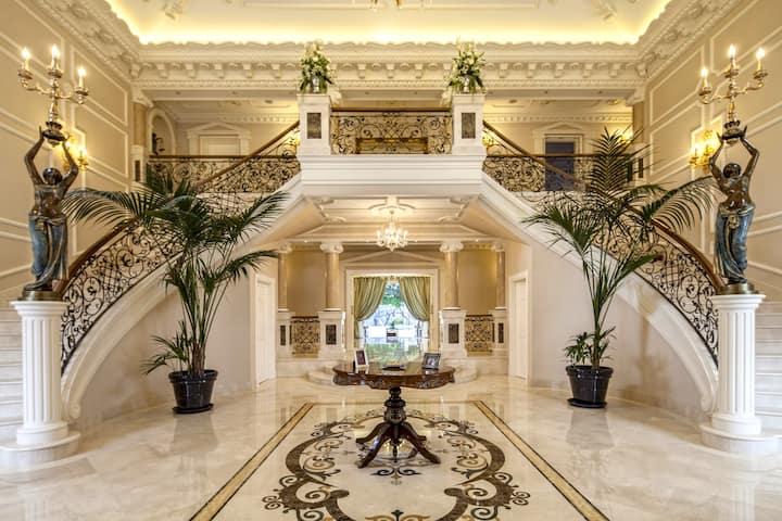 Luxury Magical Themed Villa - Sotogrande