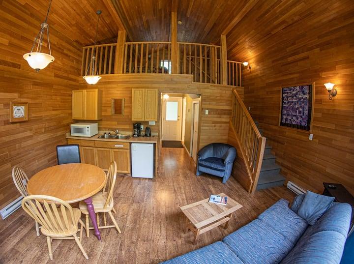 Sycamore Lodge Overlooking Cultus Lake