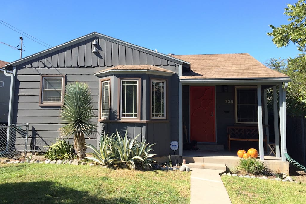 Remodeled and centrally located 1940's Highland Park bungalow
