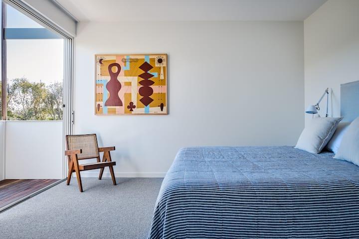 The Norfolk Bayshore Drive (2 bedroom house)