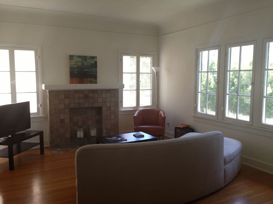 charming two bedroom home wohnungen zur miete in los angeles kalifornien vereinigte staaten. Black Bedroom Furniture Sets. Home Design Ideas