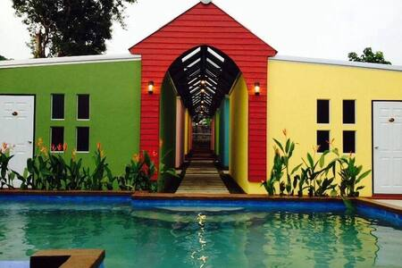 Little HIP resort 390mTigerMuayThai - Chalong - 住宿加早餐