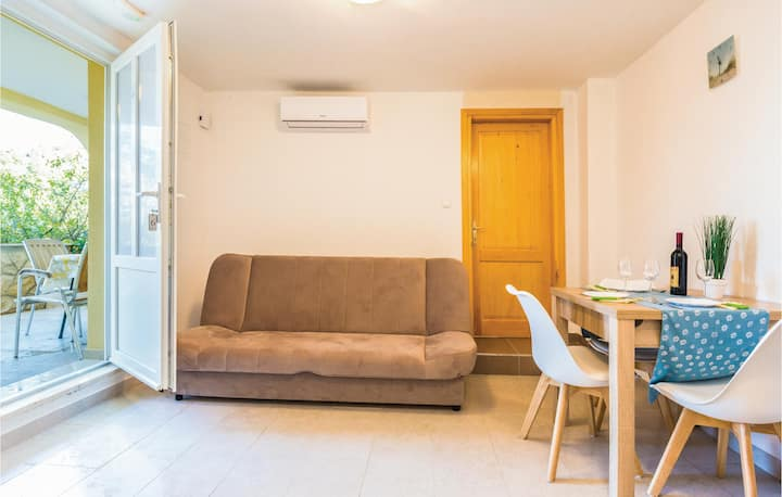 Nice home in Ploce with WiFi and 1 Bedrooms