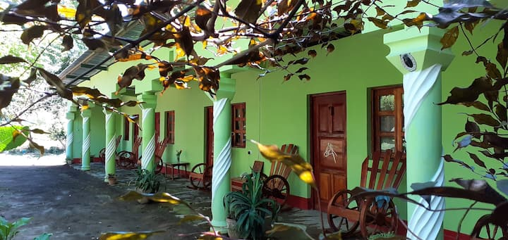 Hostal y Restaurante Rancho Caballo Blanco
