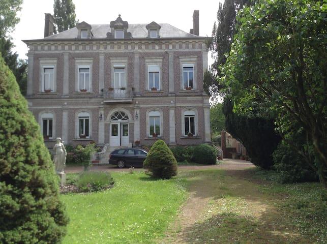 Offrez-vous la vie de Château ! - Le Meillard