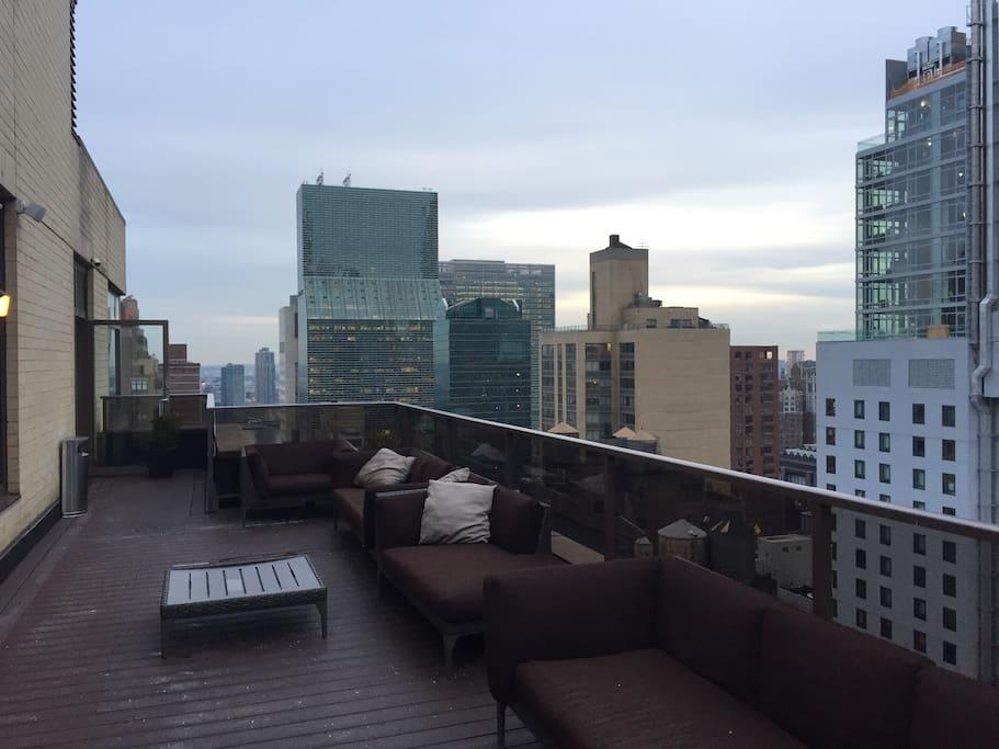 2 bedroom at wyndham midtown 45 new york city serviced. Black Bedroom Furniture Sets. Home Design Ideas