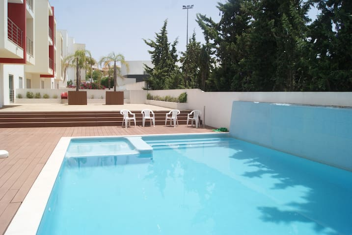 Two bedroom apartment a 10 min walk from the Beach