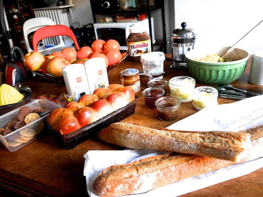 Petit-déjeuner compris / Real breakfast included