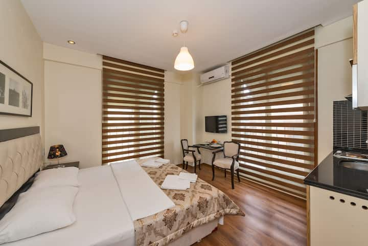 2 Minutes to Taksim Square Deluxe Apartment