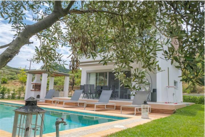 Villa Terra Paradiso w/ private pool