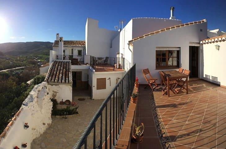 Hus i fantastisk andalusisk bymiljø