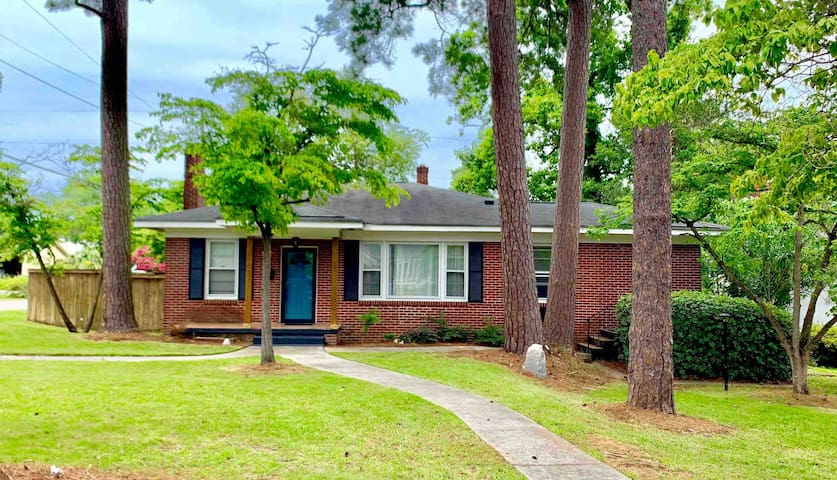 Brick Ranch - close to downtown & USC